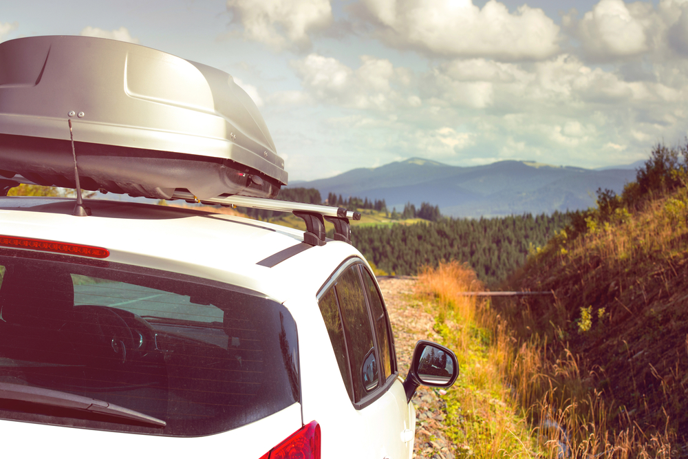 thule-roof-rack-countryside